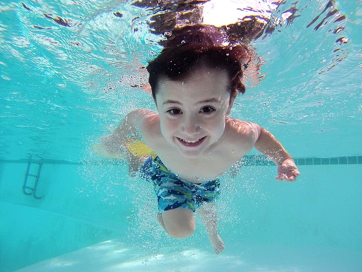 kid-swim-pool-underwater-preview.jpg